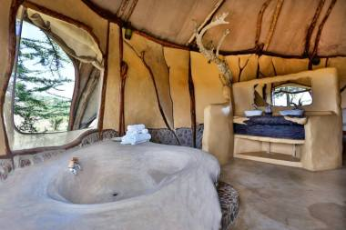bathtub inside the room