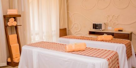 Massage-Wet-Room-10-700x350