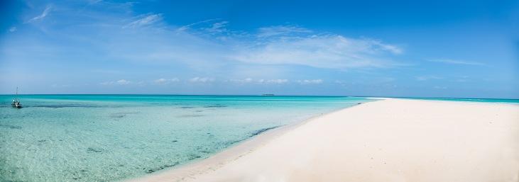 Anantara Medjumbe Island Resort - Beach Boat Panorama