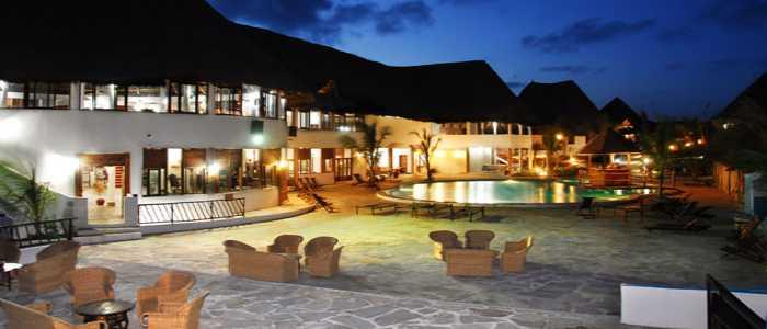 hotel_jacaranda_beach_resort_nigth_kenya