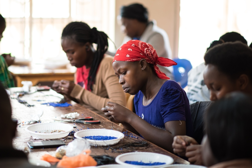 Jewelry making workshop with local Kenyan women- An experience with I Like Local